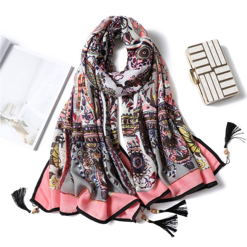 2020 Design Brand Women Spring Scarf Hijabs Shawls Lady Pashmina Tassel Foulard Femme Bandana Cotton Scarves Wraps Vintage Print