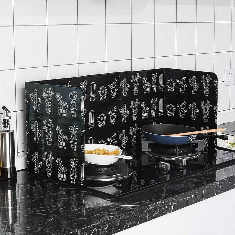 Foldable Kitchen Gas Stove Baffle Plate Kitchen Aluminum Frying Pan Oil Splash Protection Screen Kichen Accessories