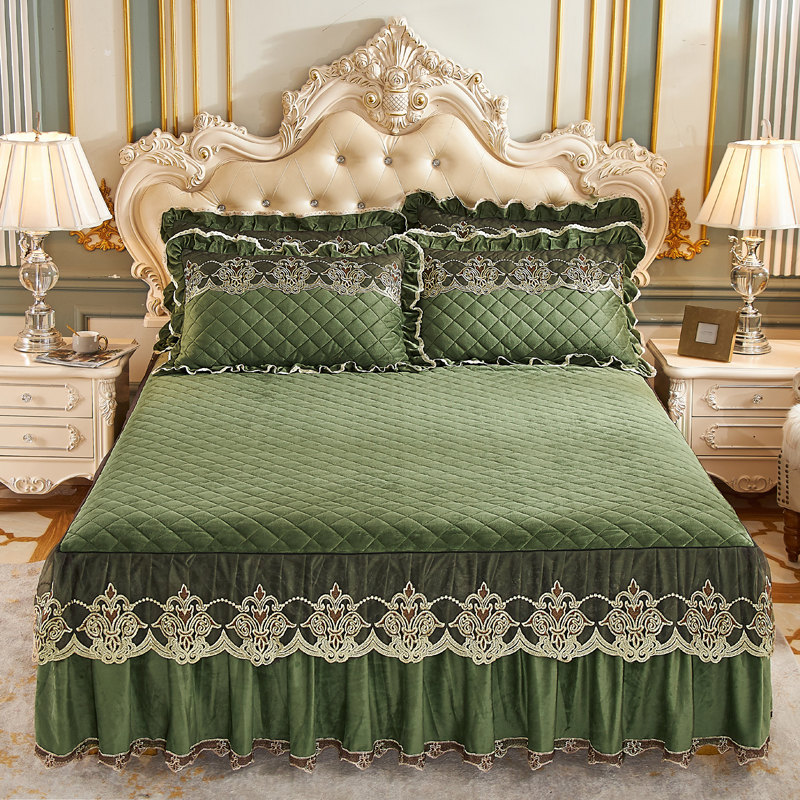 Velvet Embroidery Lace Bed Skirt Cover Soft Warm Quilted King Queen Size Dust Mattress Protective Bedspreads with 2 Pillow Cases
