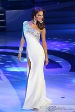 Элегантное Длинное платье на одно плечо с белым бисером платья