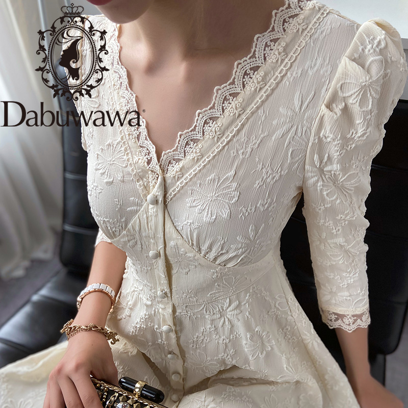 Dabuwawa French Vintage Ladies Lace Dress Puff Sleeve Single Breasted Front Elegant V-Neck Fit and Flare Dress Women DT1CDR030