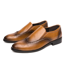 2020 Men Dress Shoes Gentleman Brogue Style Paty Leather Wedding Shoes Men Flats Leather Oxfords Formal Shoes