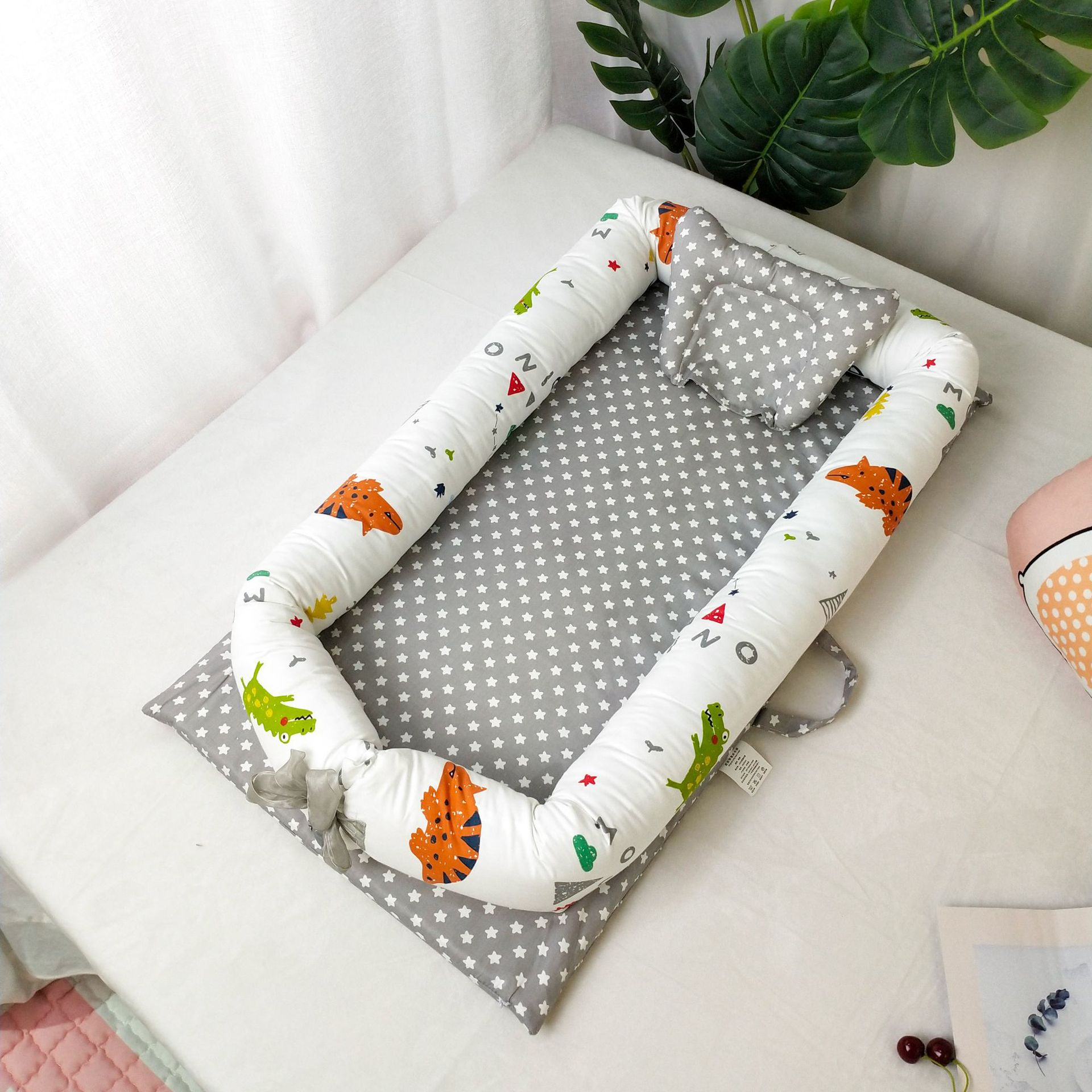 Portable Foldable Baby Cot Newborn Baby Bed For Traveling Without Quilt Cartoon Print Baby Carry Cot