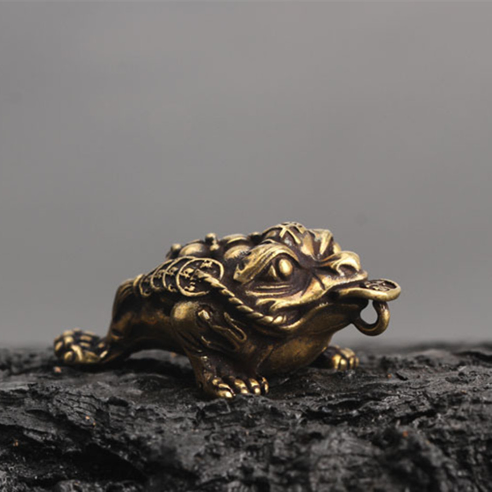 1PC Collect Curio Rare Chinese Fengshui Bronze Exquisite Animal Money Golden Pocket Toad Wealth Pendant Statue QDD9859