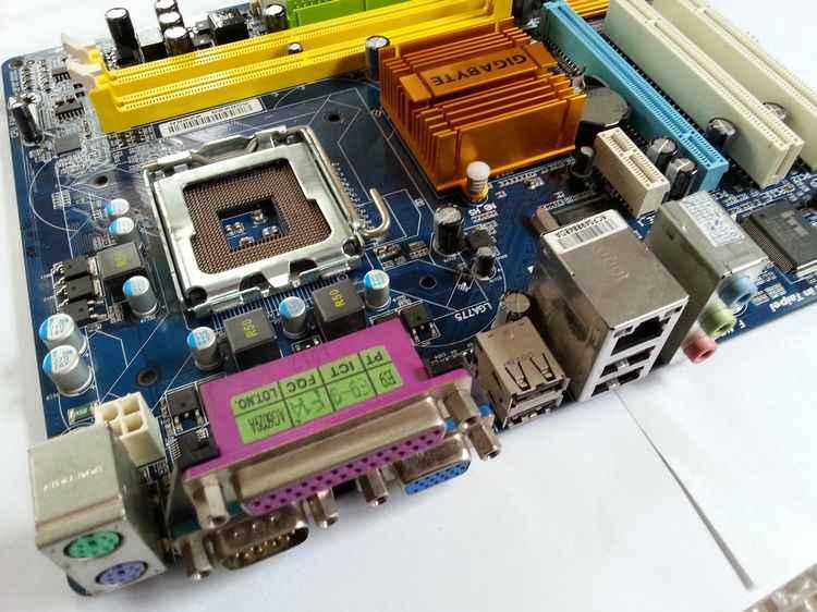 Gigabyte GA-G31M-ES2C Original เดสก์ท็อปเมนบอร์ด LGA 775 DDR2 4GB VGA G31 ใช้เมนบอร์ด