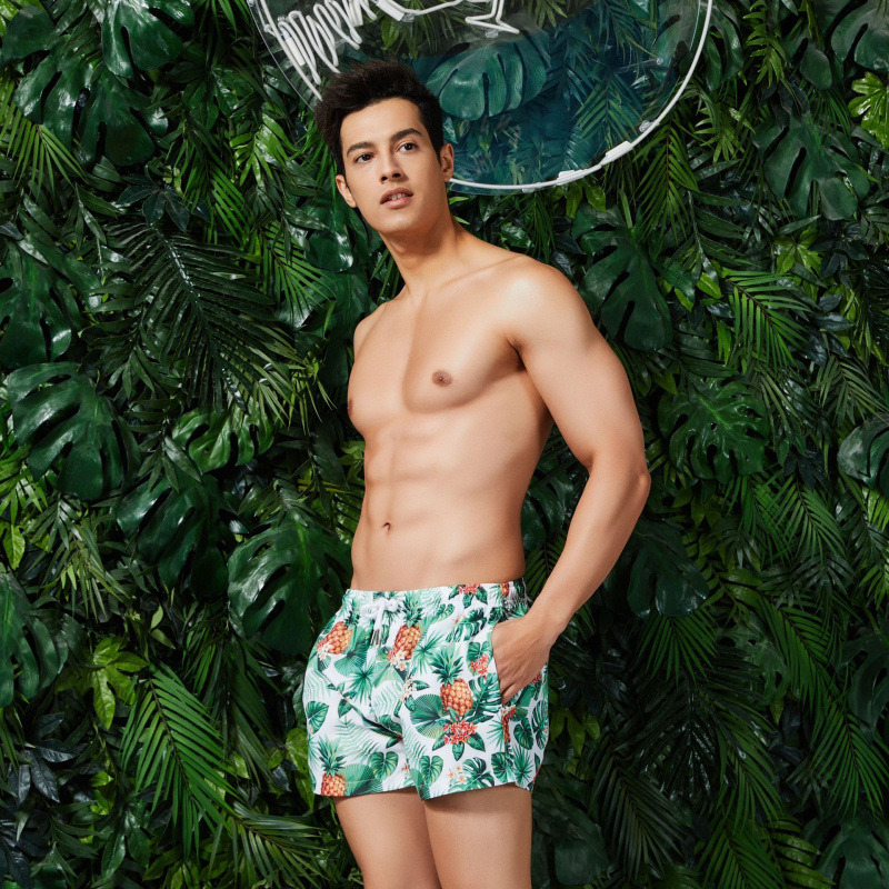 Beach Shorts 2019 Men Loose Fashion Beach Shorts SEOBEAN Brand Printed Seaside Holiday Shorts Fashion Swimming