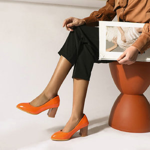 Image 5 - Sianie Tianie cuir verni couleur unie jaune orange femmes chaussures bloc dames pompes sapato feminino chaussures de mariage taille 46
