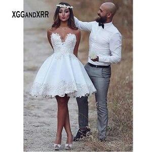 Романтическое Короткое свадебное платье 2020 трапециевидной формы с кружевной аппликацией, летнее свадебное платье без рукавов, белое цвета ...