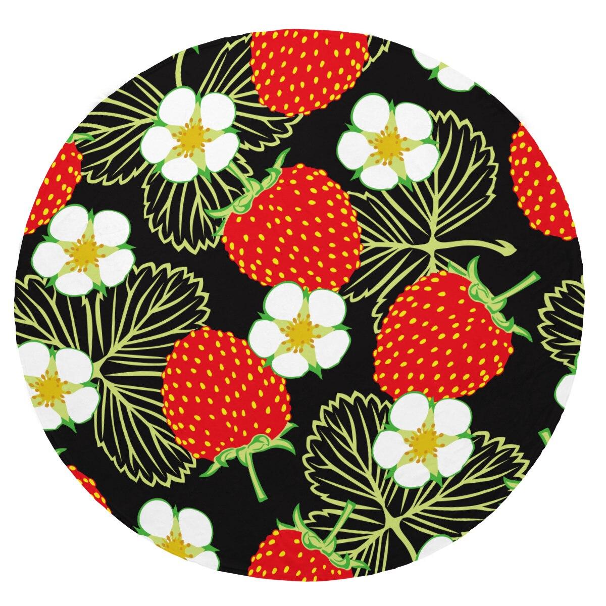 Couvertures de bande dessinée de fraise de couverture de flanelle de peluche molle superbe couverture ronde de jet pour des lits