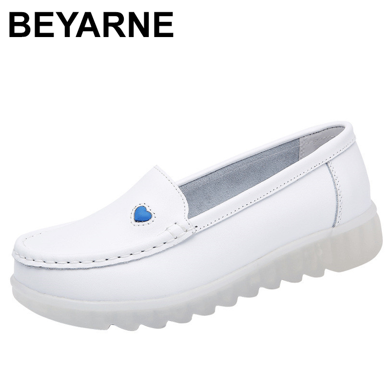 BEYARNE2019 New Women Flat Leather Shoes Casual White Wedge With Soft Bottom Slip On Love Heart Comfortable Mom Nurse Work Shoes