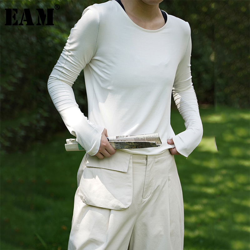 [EAM] Women Black White Slim Irregular Simple T-shirt New Round Neck Long Sleeve Fashion Tide All-match Spring Autumn 2020 1A278 1