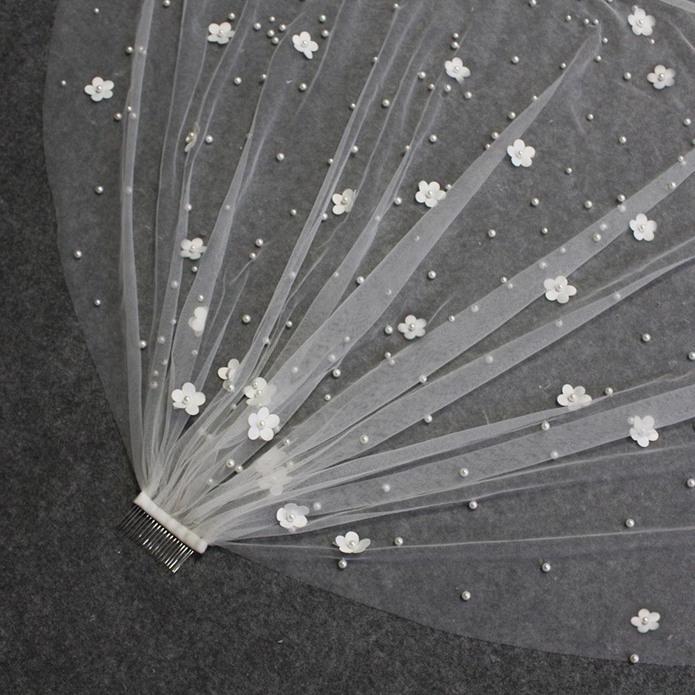 New Pearls Wedding Veil with Flowers Beautiful Pearl Bridal Veil Metal Comb Bride Veil Wedding Accessories
