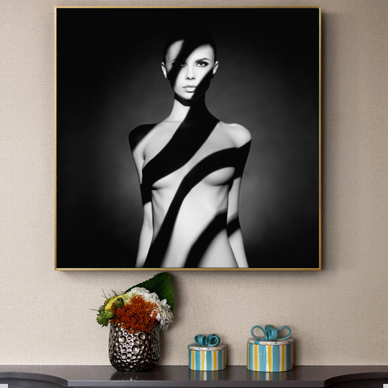 Popular Portrait Posters and Prints Wall Art Canvas Painting Elegant Nude Model in the Light Pictures for Living Room Home Decor image