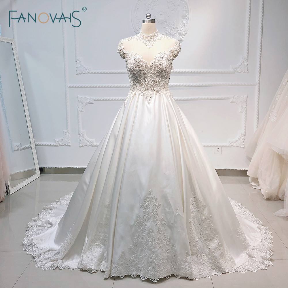 Luxury Wedding Dress 2019 High Neck Satin Ball Gown Wedding Gowns Long Crystal Beaded Lace Bridal Dress Vestido de noiva