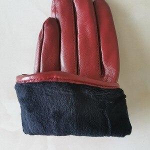 Image 5 - نقية جلد الغنم امرأة حقيقية قفازات قصيرة نمط الأحمر مع سستة النسخة الأوروبية الفرنسية أناقة الإناث القفازات TB84