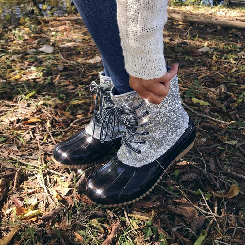 MoneRffi jöle ayakkabı 2019 kadınlar seksi yarım çizmeler Bling pullu kadın PVC su ayakkabısı kadınlar için sandalet Mujer