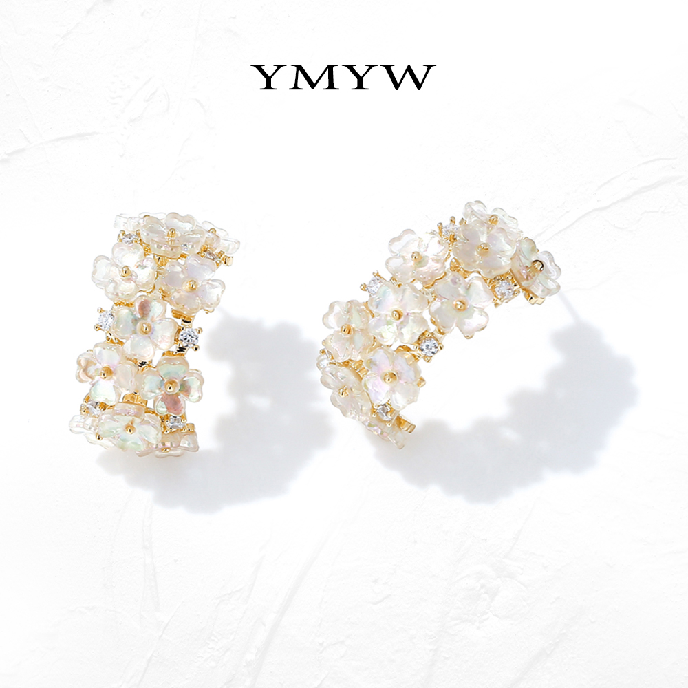 YMYW Natural Shell Flower Stud Earrings Exquisite Geometric Samall Earrings Copper Jewelry For Women Bijoux Femme Gift 2020