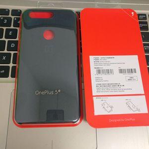 Image 2 - Orijinal resmi OnePlus 5T için hakiki kumtaşı Karbon mat Slim geri cilt sert çanta kapak