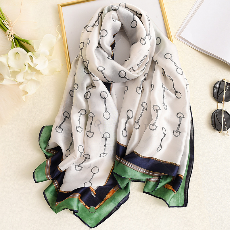 Luxury Designer Silk Scarf For Women Sping Travel Shawls And Wrap Beach Cover Up High Quality Pashmina Foulard Winter Scarves