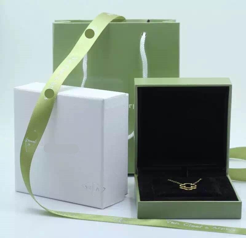 Four-leaf Clover Gift Box Fashion Box