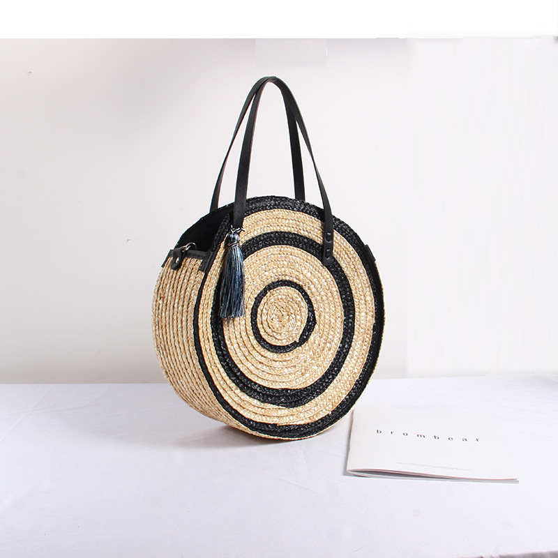 Large Capacity Straw Bag Hand-woven Bag Women's New Fashion  Shoulder Tassels Round Beach Bag