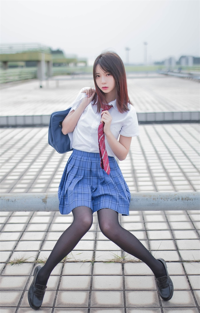 ★网络红人★疯猫ss-天台JKcos[30P/164MB]插图