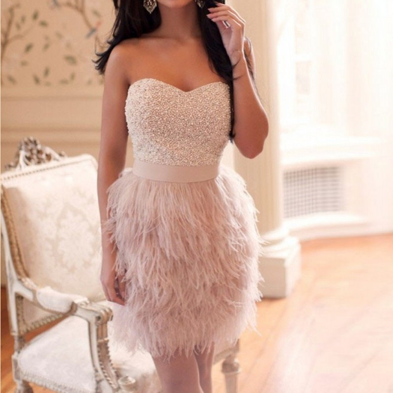 Fashion Cocktail Dress With  Beaded Sweetheart Sleeveless Feathers Beaded Party Dress Knee Length Robe De Soiree