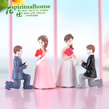 Marry Me Micro Landscape Lovers Couples Bridegroom and Bride Doll Model Art Craft Birthday Cake Creative Decoration cute resin bride and bridegroom toy doll