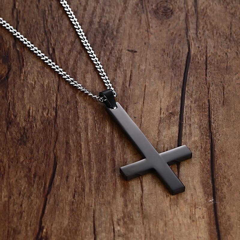 Vnox homme noir St pierre croix inversée pendentif collier pour homme acier inoxydable tour de cou Crux de Sanctus Petrus bijoux