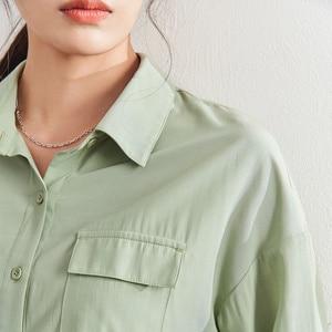 Image 4 - אינמן 2020 אביב חדש הגעה ספרותי מוצק צבע תורו למטה צווארון כיס יחיד חזה Loose סגנון נשים חולצה