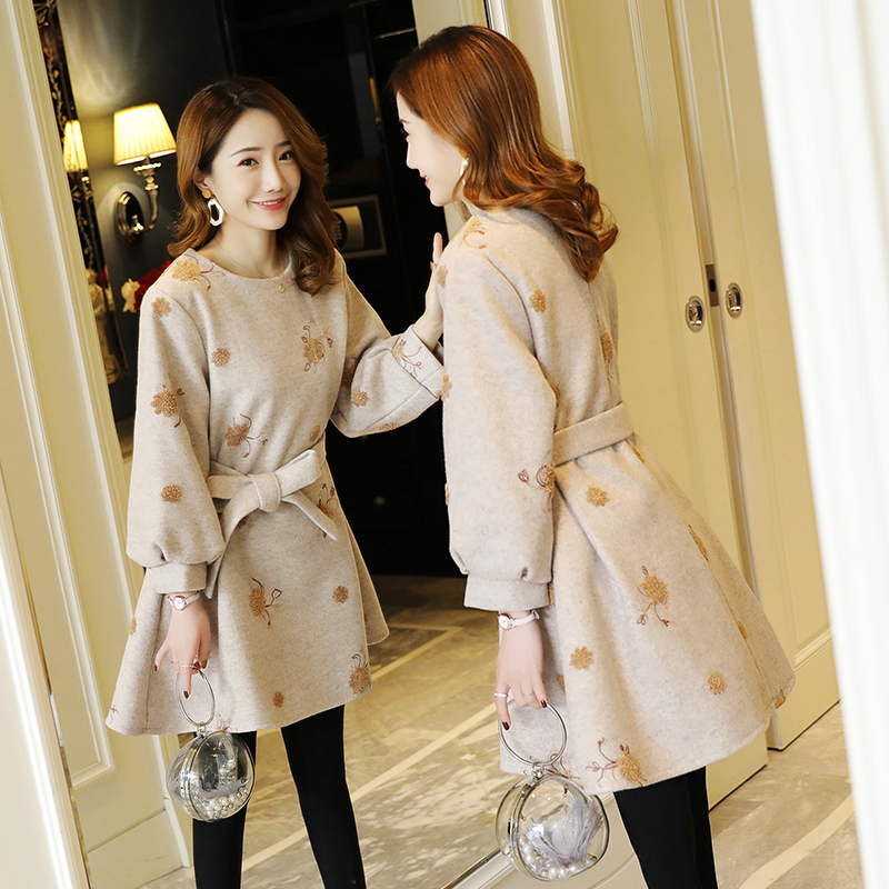 8127# Autumn Winter Korean Fashion Maternity Tops Embroidery Woolen Loose Ties Waist Shirt Clothes for Pregnant Women Pregnancy