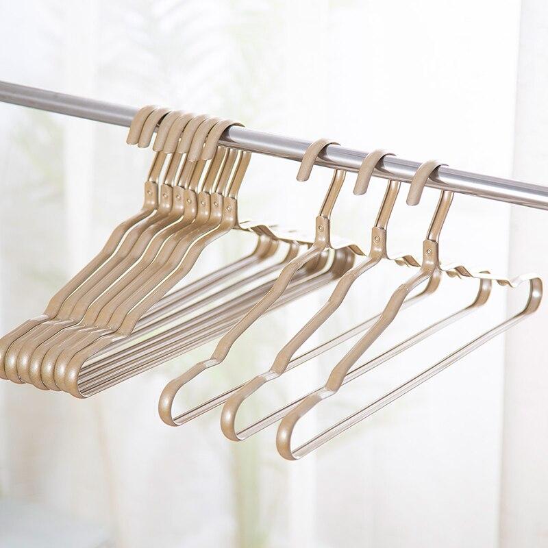 Hangers mature Low Hangers