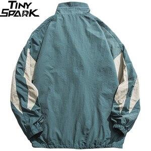 Image 2 - Erkekler Hip Hop rüzgarlık ceket Retro renk blok Patchwork Harajuku Streetwear ceket palto fermuar parça ceketler sonbahar 2019 yeni