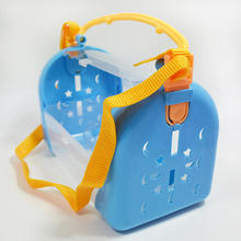 Out-of-port Hamster Carrier Bag Visible Breathable Cage Small Animals Travel Case Strap with Water Bottle About 25*13*17cm