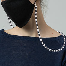 2020 черно белые рисовые бусы маска ремешок шикарная простая