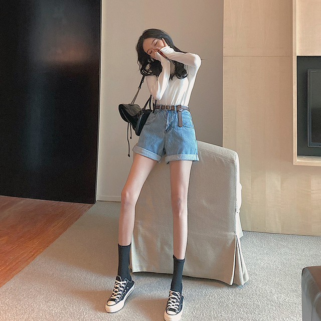 FINEWORDS Classic Washed Blue High Waist Shorts Jeans Women 2021 Summer Beach Denim Shorts Korean Casual Wide Leg Shorts Cuff 3