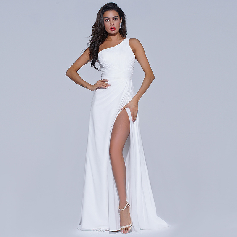 White Chiffon Bridesmaid Dresses One Shoulder Sleeveless Long Formal Wedding Party Gowns for Maid of Honor