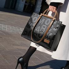 Nowe torebki damskie torebki damskie skórzane torebki damskie torebki projektant luksusowe torebki torebki damskie Crocodile Bolsa Feminina tanie tanio DKQWAIT Na co dzień torebka Skrzynki Torebki i torby crossbody CN (pochodzenie) zipper HARD NONE Moda 5656+5 Poliester
