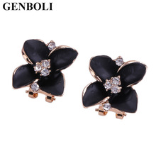цена на 1 Pair of Elegant Fashion Jewelry Luxurious Shiny Alloy and Rhinestone Leaf Clover Stud Earrings For Women