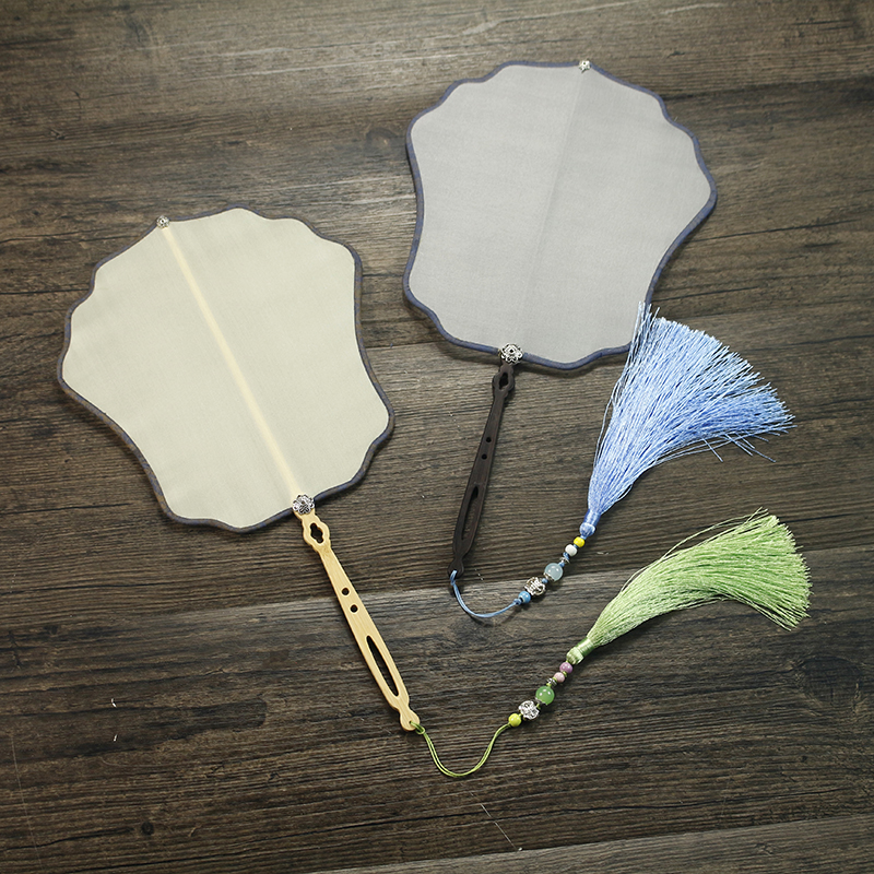 Latest Vintage Round White Blank Hand Fans Natural Silk Fabric Fan with Handle Chinese Dance Fan DIY Hand Painting Embroidery
