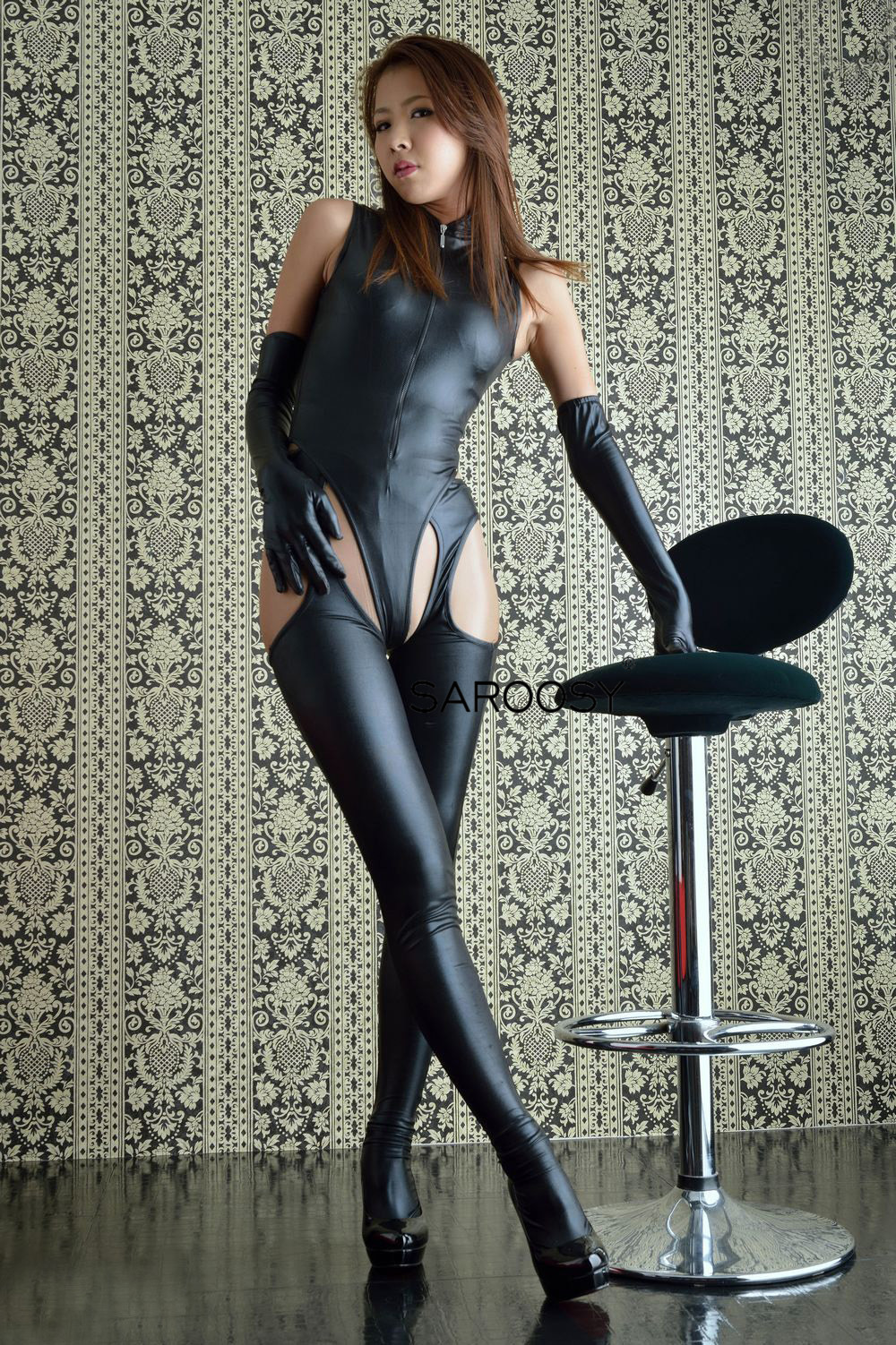 SAROOSY Sexy Bodysuit Women Leather Latex Catsuit Faux PU Open Crotch Erotic Lingerie Long Gloves Set  Night Club Sexy Costumes