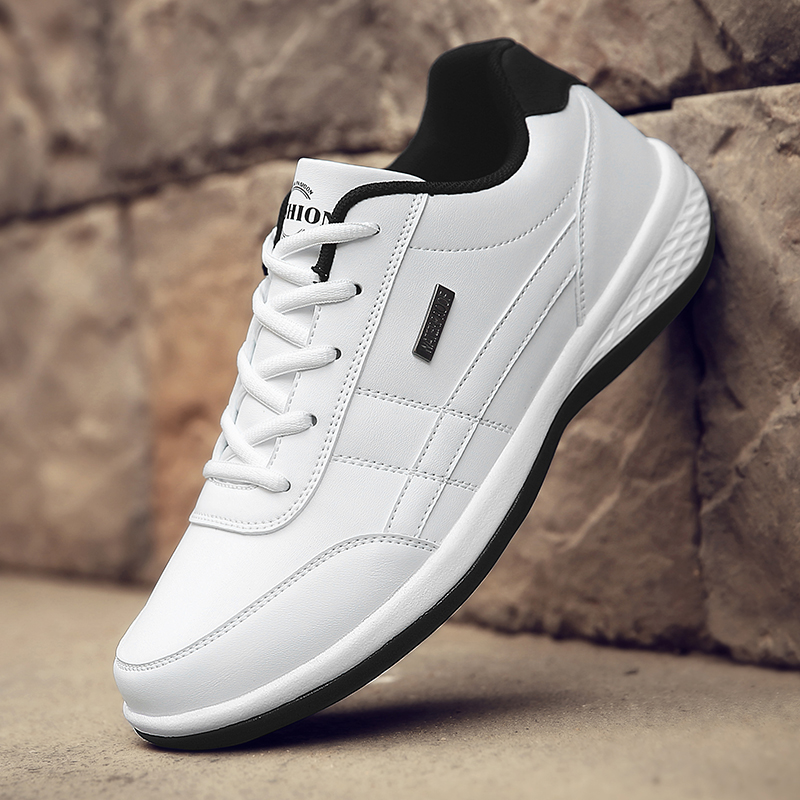 Leather Sneakers Men Lightweight Casual Men Shoes Fashion White Breathable Sneakers 2021 Big Size Comfortable Walking Shoes Male