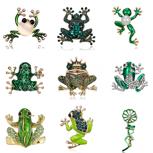 9 Styles Green Frog Enamel Brooch Vintage Crystal Frog Animal Brooches Badge Pop Culture Lapel pin Frog Jewelry gift for Friends