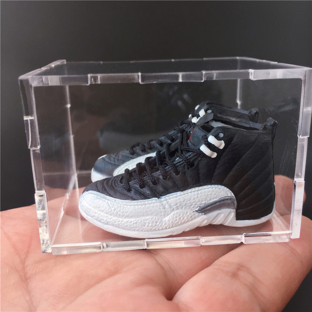 For Dropshipping and Wholesale 3D Mini Sneaker Keychains Mini Shoe Keyrings Phone Strap 3