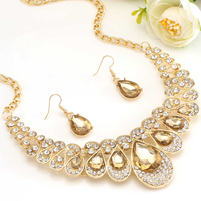 Di Colore Dell'oro di modo di Goccia Dell'acqua Pendente Della Collana di Chocker Orecchini di Cerimonia Nuziale di Cristallo Da Sposa Set di Gioielli di Pietra