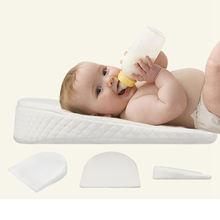 Подушка для грудного вскармливания с треугольным наклоном кормления