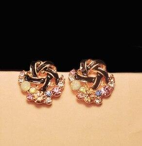 Image 2 - Pendientes de diamantes de imitación coloridos, moda coreana, temperamento de señora, banquete de boda, exquisito regalo de joyería al por mayor