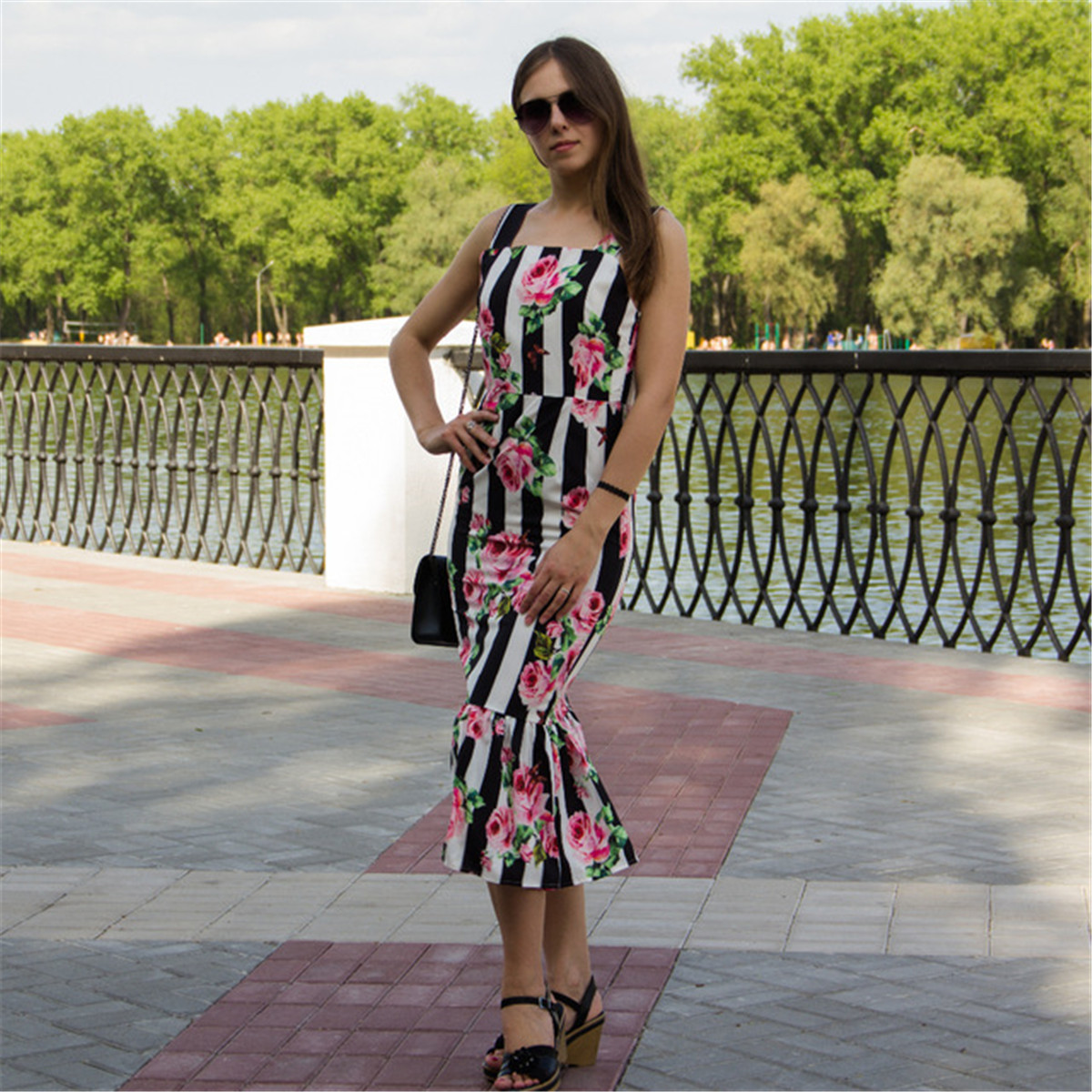 Summer New Style Large Size Camisole Women's Rose Black And White Printing Slim Fit Fishtail Dress