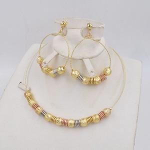 Image 2 - גבוהה באיכות Ltaly 750 אופנה זהב צבע להתנדנד עגילי לערבב צבע שרשרת תכשיטי סט לנשים מתכת המפלגה תכשיטי סט 2020