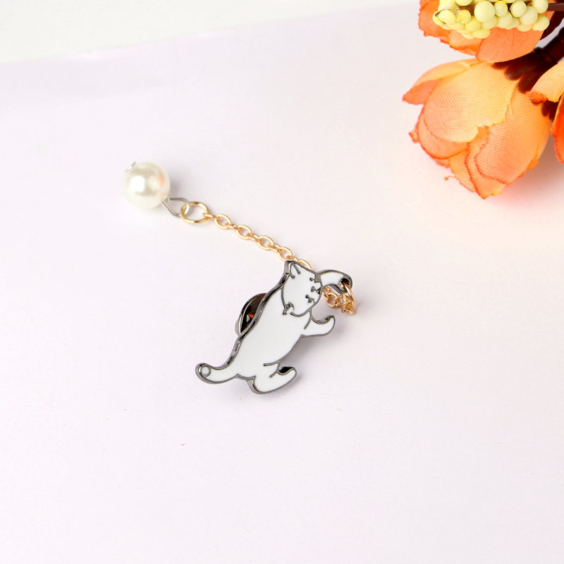 Cute Little White Imitation Pearl Cat Brooch Pins Chic Fashion Jewelry Bijoux Brooch Wholesale Women Accessories in Brooches from Jewelry Accessories